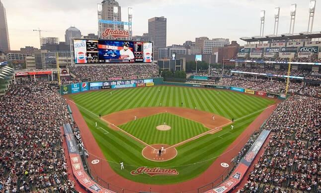 Alumni @ Cleveland Baseball Game