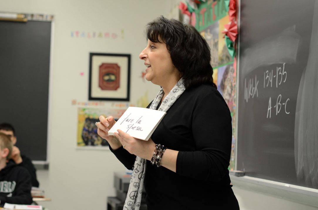 Spanish teacher teaching students vocabulary words